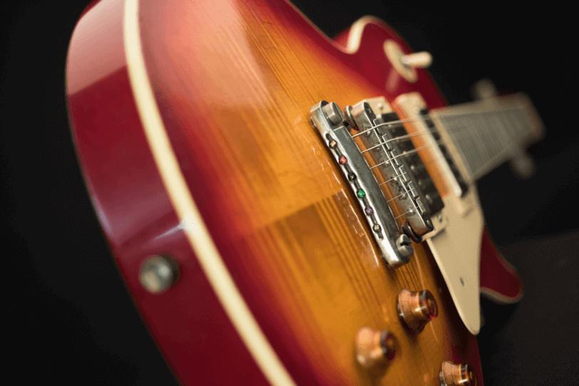 Electric_Guitar_Maybach_Guitars_Lester_Cherry_Lane_hero