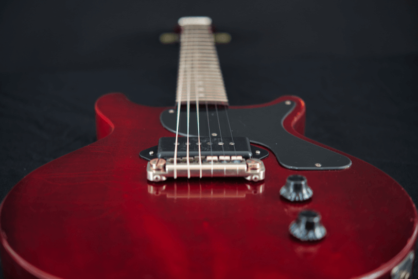 Electric_Guitar_Maybach_Guitars_Lester_JR_winered_double_Cutaway