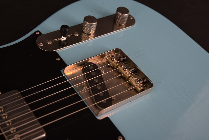 Teleman_Keith_52-2_Maple-Neck-Aged-Look_Full-Solid-Body_closeup_Maybach_Electric-Guitars
