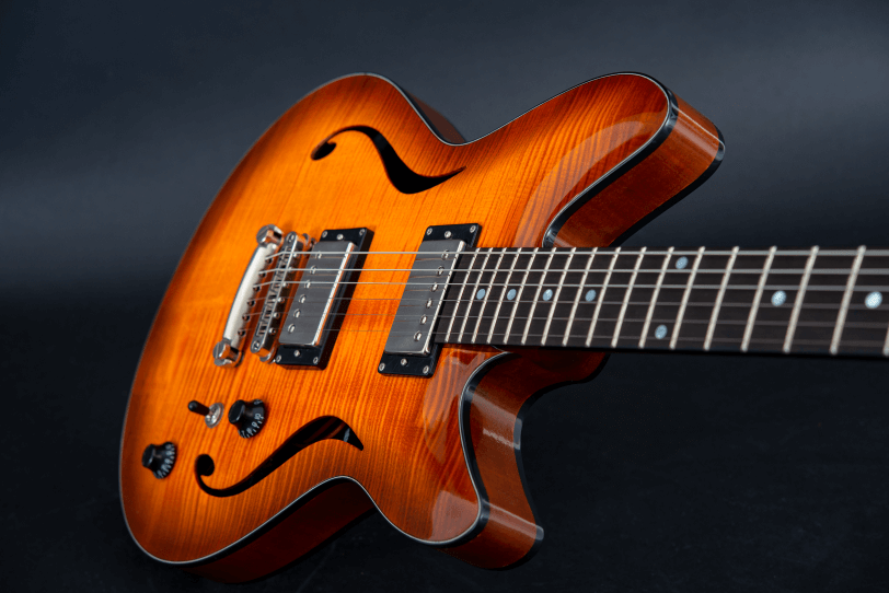 Electric_Guitar_Maybach_Guitars_Marilyn_midnight_sunset