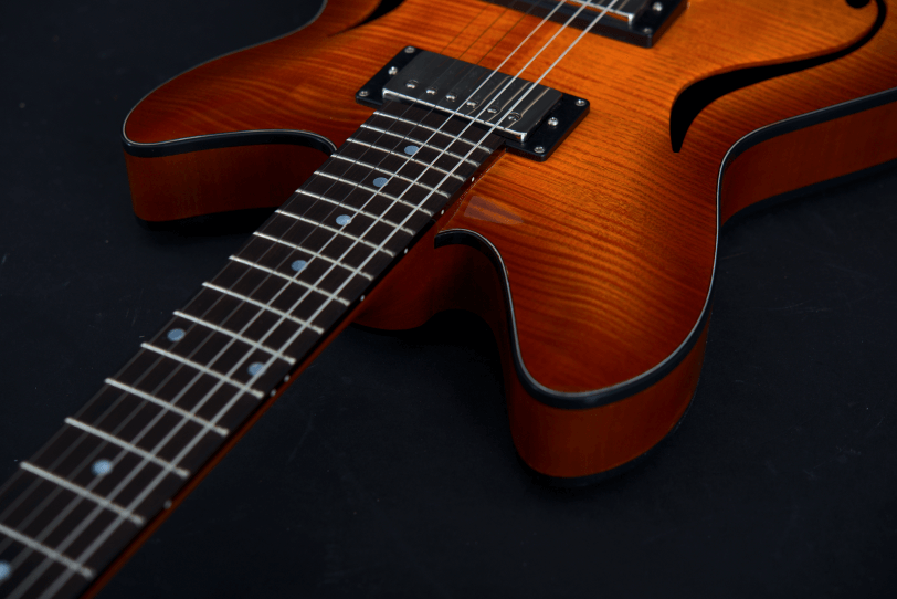 Electric_Guitar_Maybach_Guitars_Marilyn_Neck_Midnight_Sunset