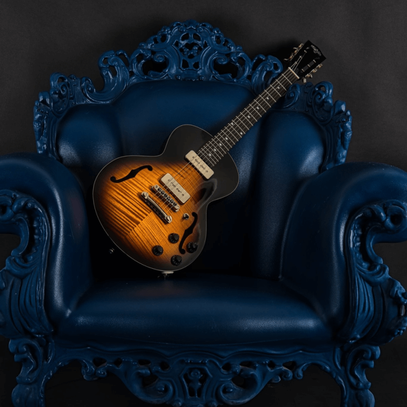 Electric_Guitar_Maybach_Guitars_Little_Wing_Arched-Top_Havanna_Tobacco_hero1