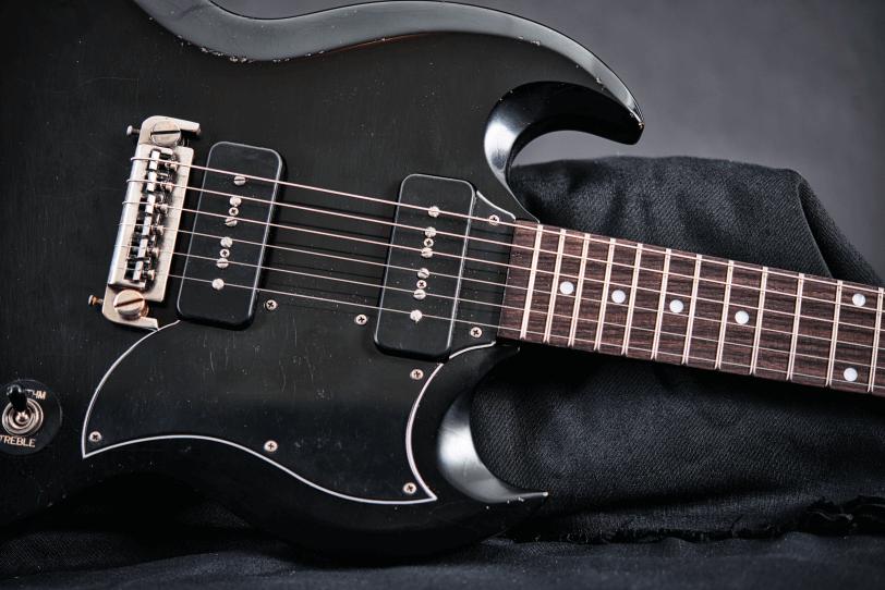 Electric_Guitar_Maybach_Guitars_Albatroz_double_black