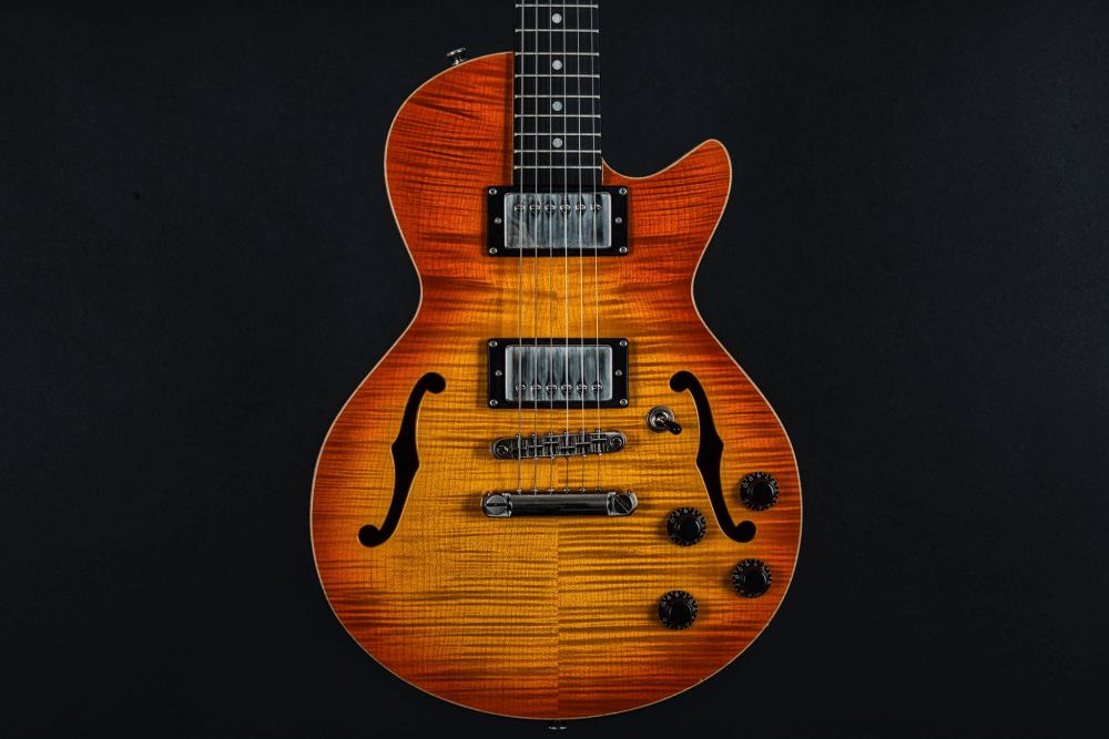 Electric_Guitar_Maybach_Guitars_Little_Wing_Flat-Top_Earl_Grey
